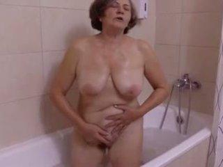 Une belle sürpriz au salle de bain by clessemperor
