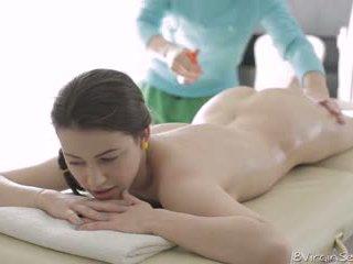 18 virgin seks - 18 jaar oud alina