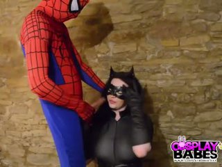Cosplay babes barmfager catwoman knullet av spiderman