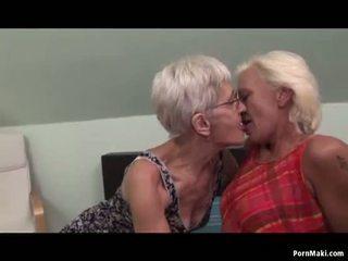Lezbijke babice having fun