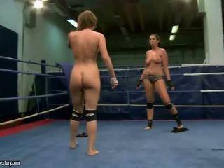 Lisa Sparkle vs Eliska Cross