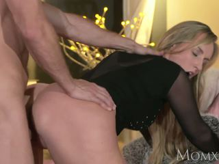 Mom Blonde Bombshell MILF Worships the Cock that Fucks