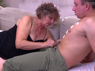 mooi jong scène, oud tube, grootmoeder porno