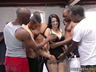 Katrina jade sucks 許多 黑色 cocks