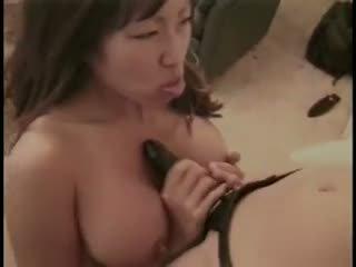 mooi pijpen, kijken seksspeeltjes thumbnail, nominale lesbiennes porno