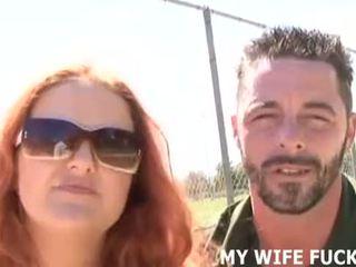 看 您的 妻子 吸吮 一 stranger's 巨大 公鸡