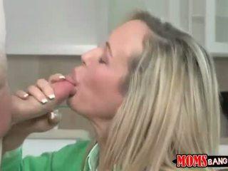 可爱 stepdaughter fucks 同 她的 继母