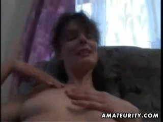 ideal brunette, oral sex, hottest housewives action