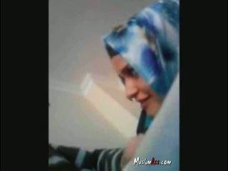 Hijab turki turban mengisap kontol