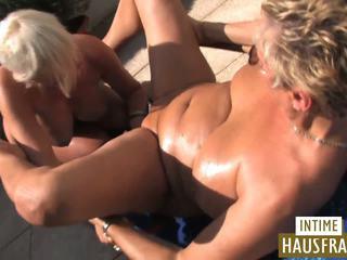 Blondine Große Titten Lesbisch