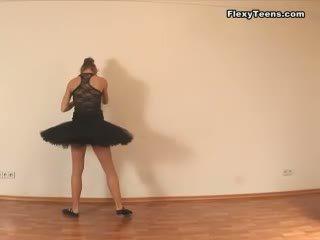 online flexible channel, stretching action, ballerina film