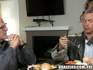 Brazzers - Dahlia Sky gets dped by her stepsons