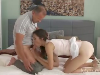 Mom Slim Elegant Beauty Gets Orgasmic Sex Lesson by Experienced Older Man