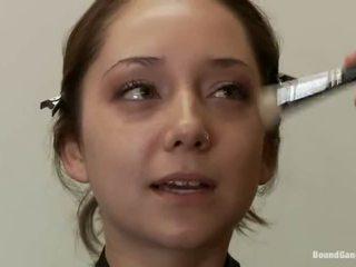 brunette actie, dubbele penetratie, heet groepsseks