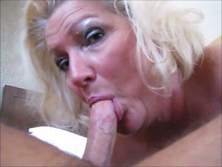 Darlene: spermë në gojë & moshë e pjekur porno video f0
