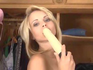 controleren blondjes thumbnail, seksspeeltjes film, toying neuken