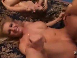 bármilyen group sex ellenőrzés, négyes névleges, pornósztárok több