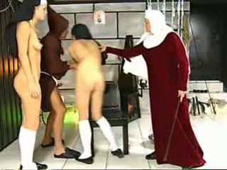 Katrin in üýtgeşik passions, mugt zartyldap maýyrmak porno 63