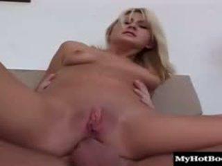 Блондинки тийн stacy thorn meets нагоре с тя мъж за секс и той