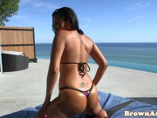 Roundass Bikini Ebony gets Pussy Eaten out: Free HD Porn 1f