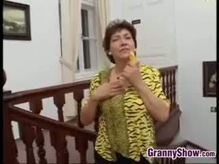 controleren brunette porno, beste grote borsten, oma