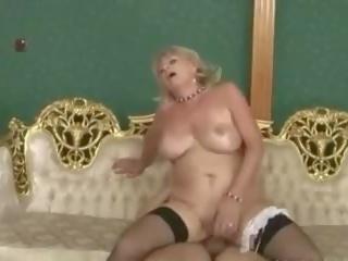 Lepo sally: brezplačno babi porno video d2