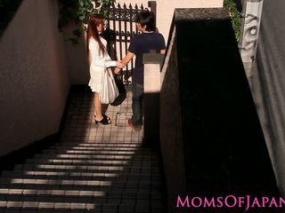 Японки мама cheats и gets лице прецака