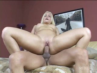 Alexis Texas swings her ass for us
