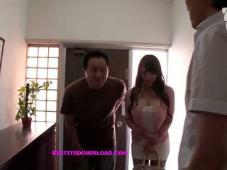Ázsiai -val nagy cicik wearing egy purple bikini: ingyenes porn d3