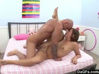 Hitchhiker has an intense orgasme