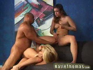 Katie y su novia getting un negra dong