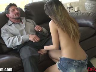 brunette klem, heetste orale seks gepost, groot deepthroat gepost