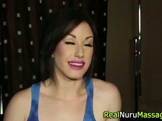 masseuse scène, online wam neuken, nuru