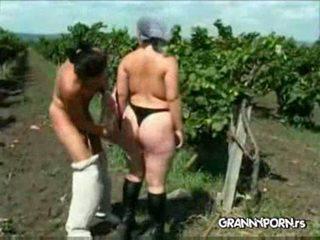 oma vid, nominale gestraft, een farmer actie