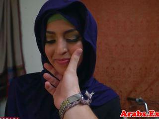 Arabic muslim fingered voor op zen hondjes seks: gratis porno ee