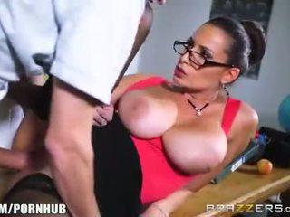 deepthroat, голям пенис, brazzers, огромни цици