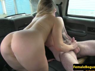 Bigtitted London Cabbie Cocksucks on Backseat: Free Porn 95