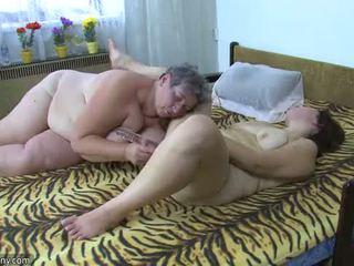 Oldnanny paksuke prouad masturbate koos a mänguasi