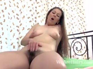 Valentina ross masturbates в легло