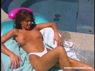 kut likken, nieuw zwembad, heet pornosterren