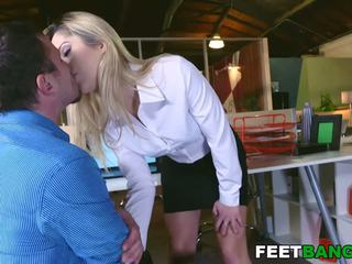 Young Goldie Rush and Her Perfect Round Ass: Free Porn 54