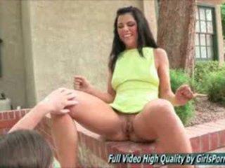 hq brunette seks, grote borsten thumbnail, echt close-up
