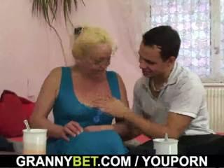 Блондинки стар възрастни gets тя космати путка slammed