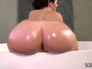 ndonjë zeshkane, nominal big boobs, nominal gomar