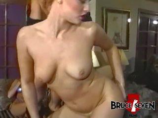 brunette seks, meer speelgoed, groepsseks
