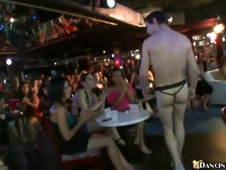 Hungry club girls doing blowjobs for a dancer guy