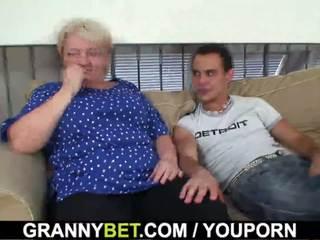 60 years vechi bunicuta sucks și rides