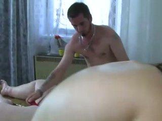 Oldnanny two demoiselles est enjoying groupe sexe