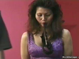 Seksi malaikat payu dara butchered