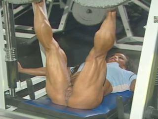 ROKO VIDEO-BIG CLITS Muscles Women